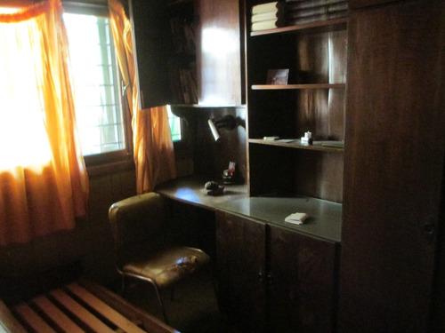 retazada!!!!casa de 3 dormitorios con local para actualizar