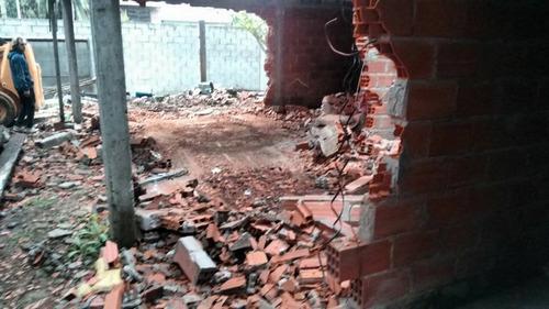 retiro de escombros. limpieza de terreno. demoliciones.