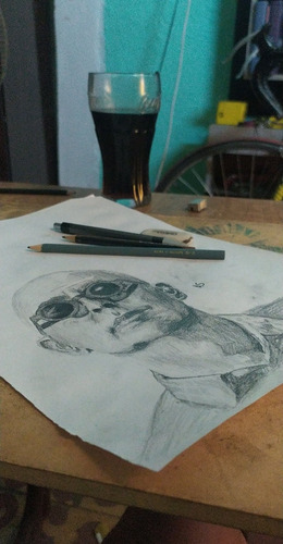 retratos a lápiz personalizados