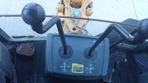 retroexcavadora 410g 4x4 con extencion y kit para martillo