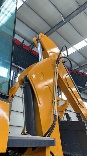 retroexcavadora 7tons 114 hp articulada 4x4 fes77