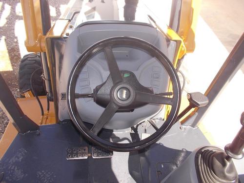 retroexcavadora case 580m 4x4 2000 horas de uso