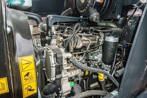 retroexcavadora cukurova 880 4x4 motor 100hp motorman
