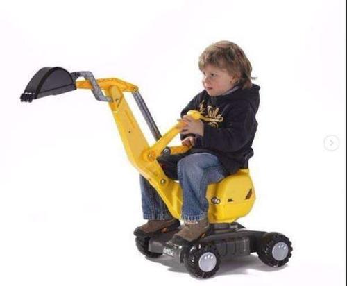 retroexcavadora montable infantil con casco correpasillo