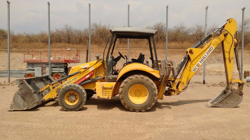 retroexcavadora new holland b95 año 2007 doble tracción 4x4