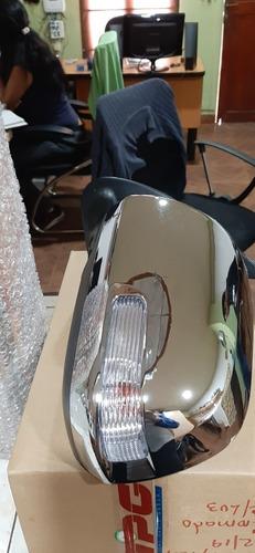 retrovisor izquierdo de toyota hilux 2012 al 2016 con luz