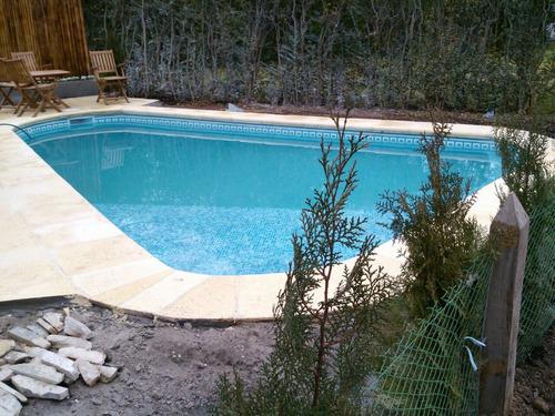 revestimiento aquavations y venecita  colocado en su piscina