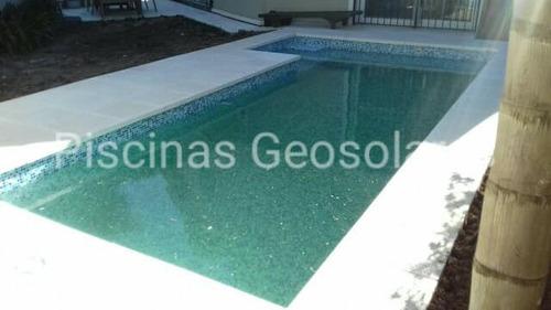 revestimiento en venecita de piscinas de hormigón geosolares