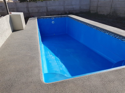 revestimiento fulget y borde de hormigón piscinas de fibra