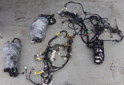 revision y reparacion ramales de vehiculos neon chrysler.