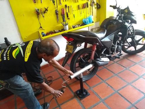 revisión y sincronización de gases para motos