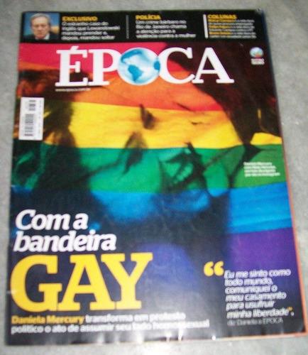 revista época daniela mercury com a bandeira gay