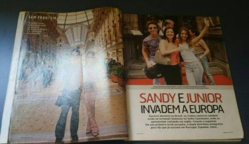 revista quem acontece com sandy e júnior na capa