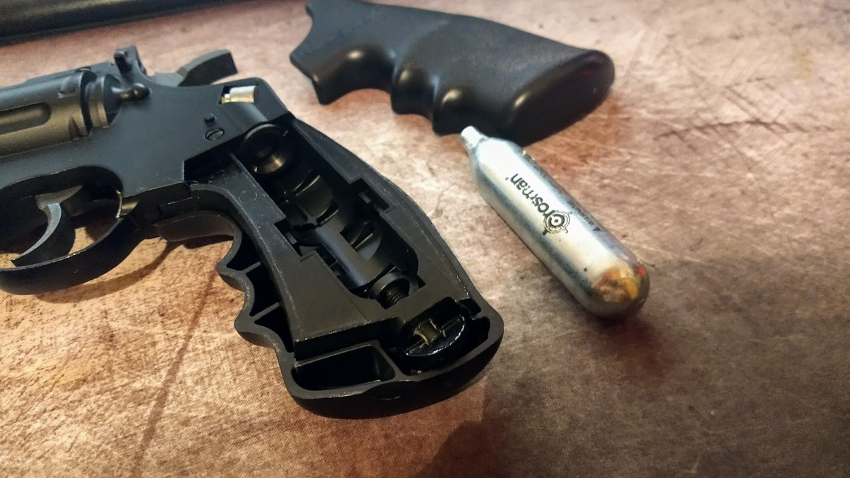 Revolver Crosman Vigilante De Co2 - Envio Gratis! - $ 7 999,00