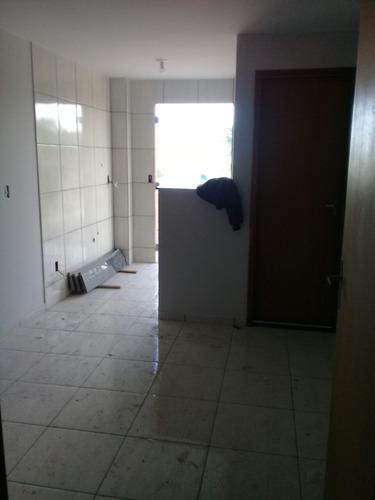riacho fundo 2 apartamentos de 01 e 02 quartos novinho