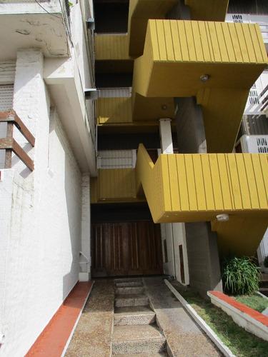 ricchezza vende  departamento de 2 ambientes frente al mar