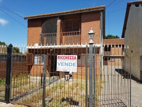 ricchezza vende     duplex - excelente ubicaciòn!