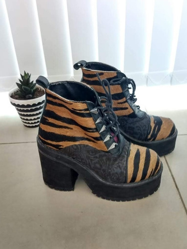 ricky sarkany botas animal print