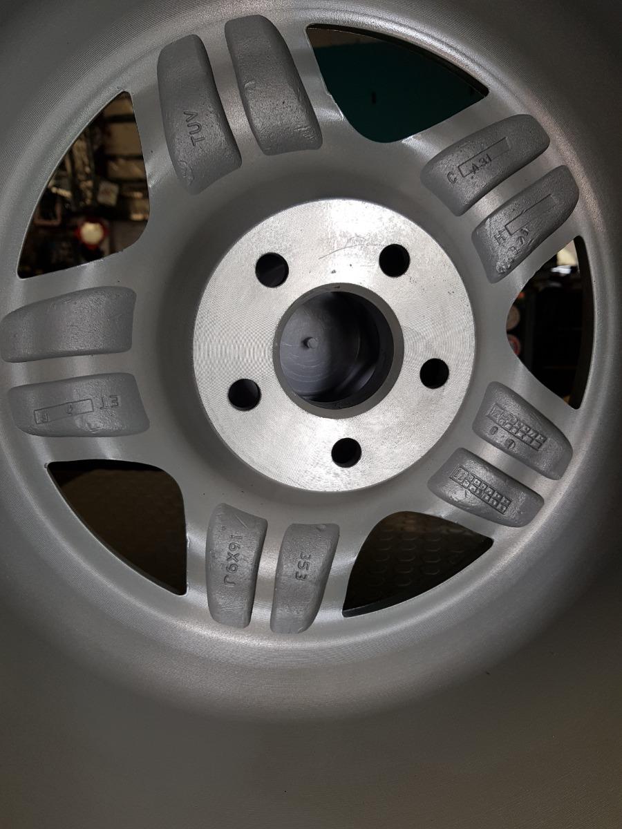 Rin Esm 009 Estilo Borbet 16x9 5 100 5 112 Audi Vw Toyota 2 750 00 En Mercado Libre