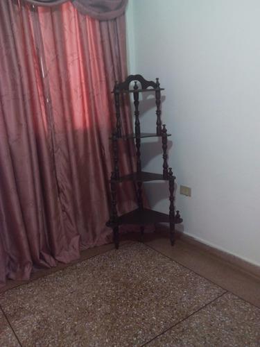 rinconera/ repisa de 4 tramos de madera