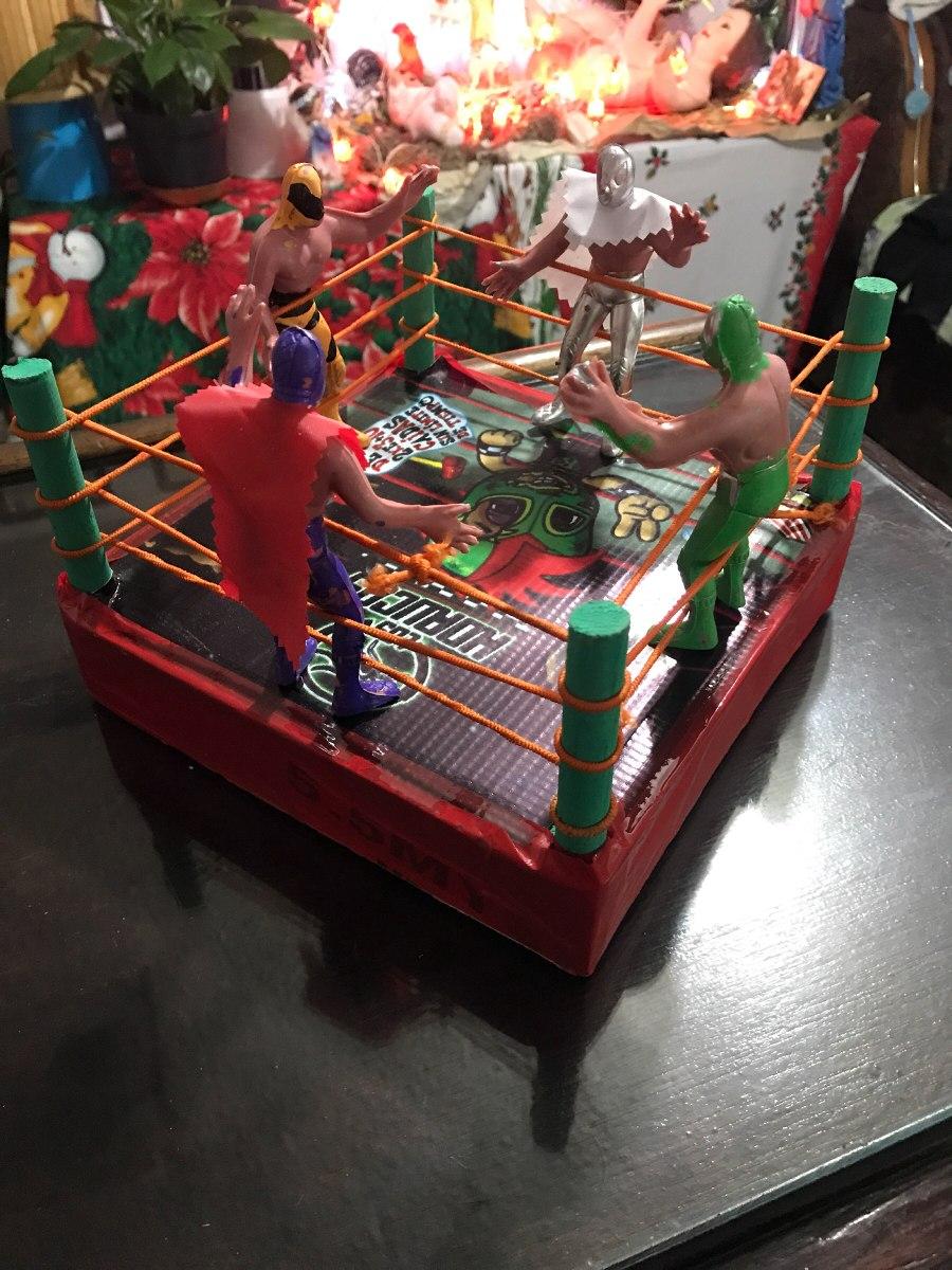 Ring Lucha Libre Juguete Madera Con 4 Luchadores - $ 100