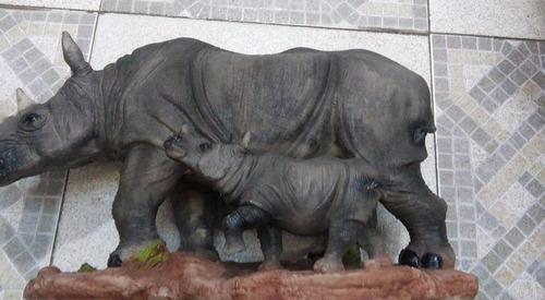 rinoceronte de resina