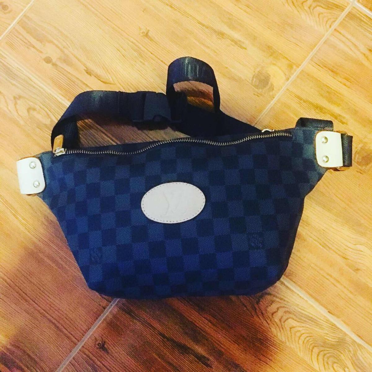 fc75f967d Riñonera Louis Vuitton Lv - $ 2.500,00 en Mercado Libre