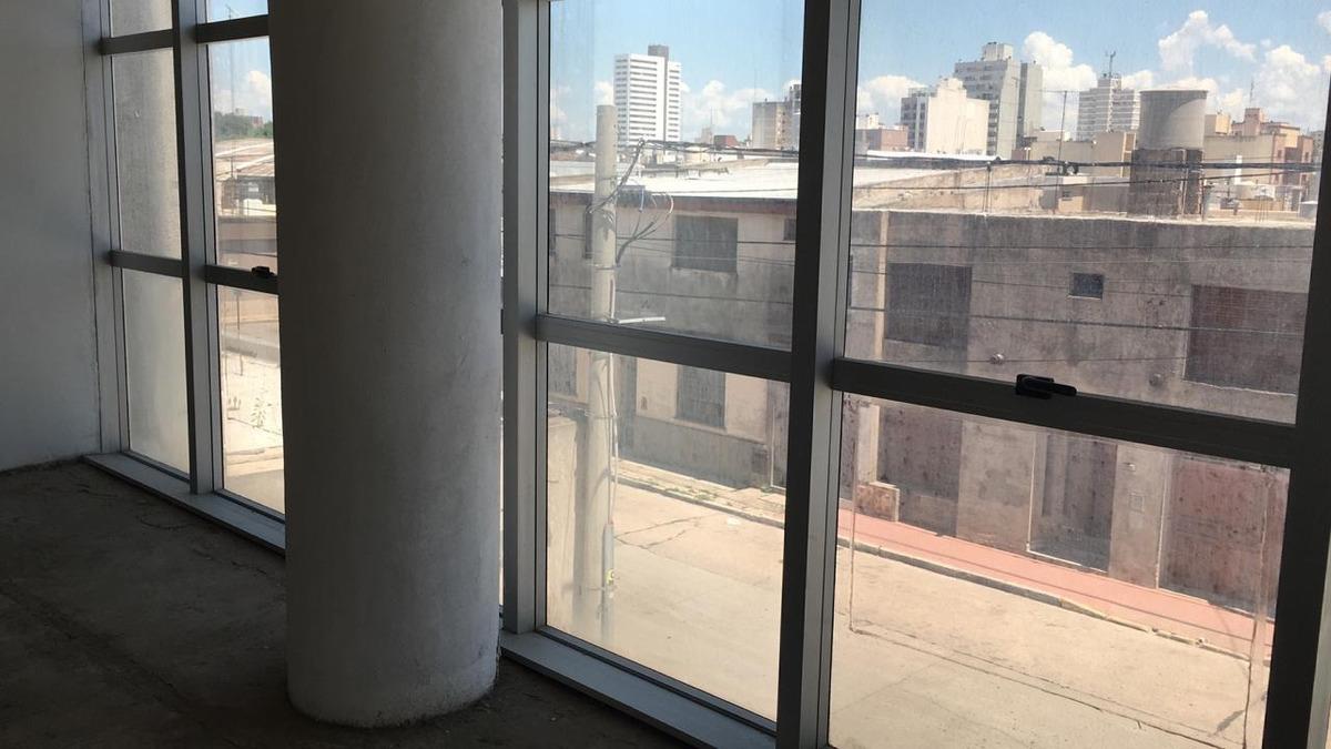 rio cuarto, semipiso para oficinas en venta!