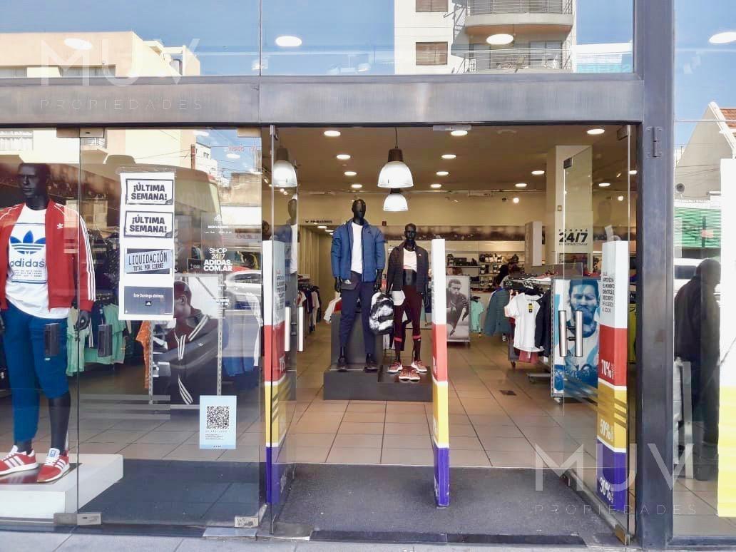 rivadavia 11000 - importante local comercial apto todo destino - via rivadavia.