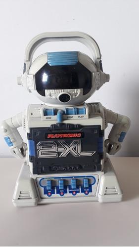 robô  2xl ele antigo