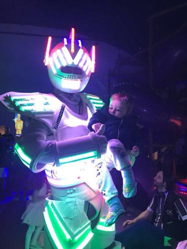 robo de led para festas infantis e eventos.
