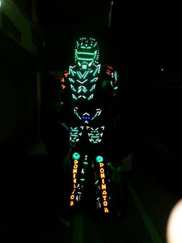 robot led / barra móvil / mimos / zanqueros  y mucho más.
