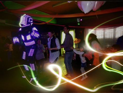 robot led  bender show  luces,chispas,co2 y mas..!