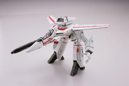 robotech, rick hunter veritech vf-1j, nave y robot, takara