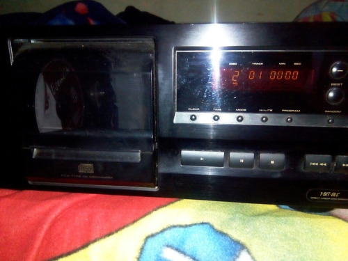 rockola pioneer de 25 cd's para reparar no lee los.cd's