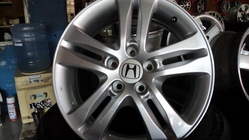 roda da crv 2010 4x4 semi nova só tem 1 roda!!!!