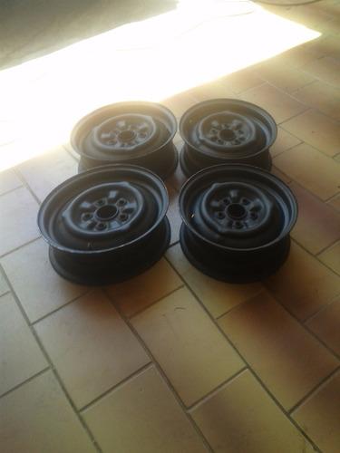 roda opala antigo em bom estado tava montado com pneu sem ca