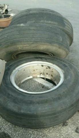 roda raiada com pneu 1100 carreta ou onibus