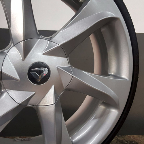 rodas 18 new santorini ss + pneus 165/40/18 hb20 punto ônix