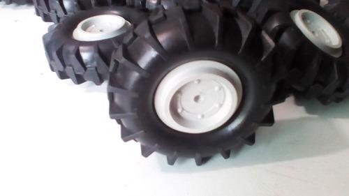 rodas plastica  p/trator 24 de 10 cm e 10 de 7 cm