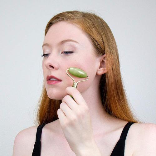 rodillo roller masajeador facial de jade. antiedad.