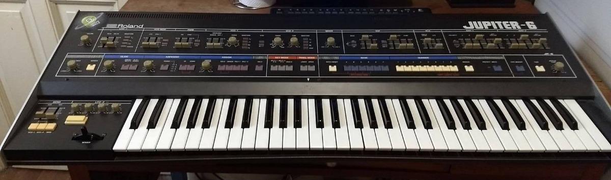 Roland Jupiter 6 Sintetizador Analogico Moog Oberheim Korg - $ 80 000,00