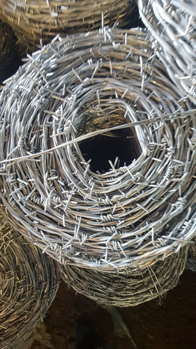 rollo de alambre de púas