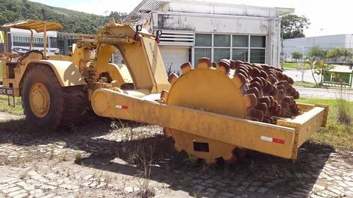 rolo compactador caterpillar 621c   com 2 pneus novos