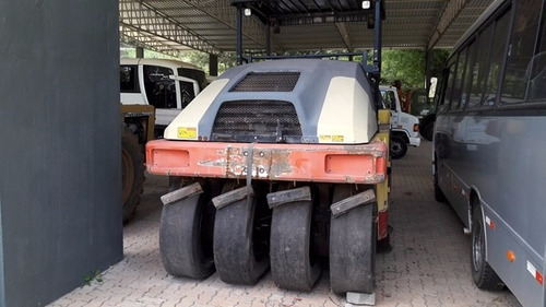 rolo compactador dynapac cp 224  de pneus ano 2010 novo