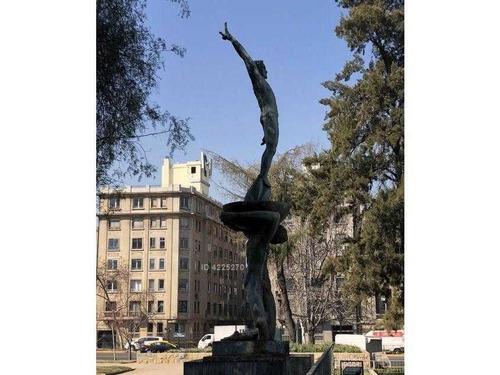 román díaz / metro manuel montt y metro salvador
