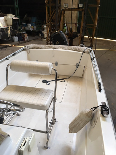 romano 22 lancha pesca casco en v no regnicoli quicksilver
