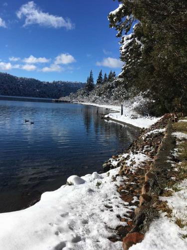 romantica cabaña sobre lago para 2 personas