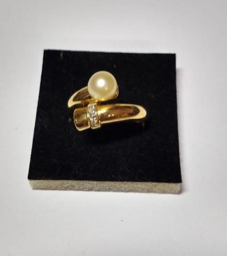 romântico anel em ouro, pérola e diamantes