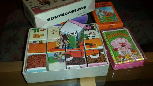 rompecabezas en cubos de los '70 y cartas frutillitas